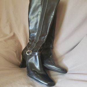 Etienne Aigner heeled boots